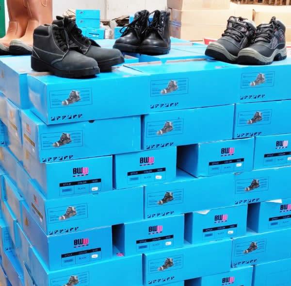 stock de chaussures de sécurité qui ne respecte pas les normes